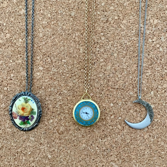American Eagle Outfitters Jewelry - 3 unique necklaces